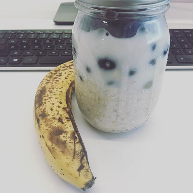 Vegan snacks overnight oats